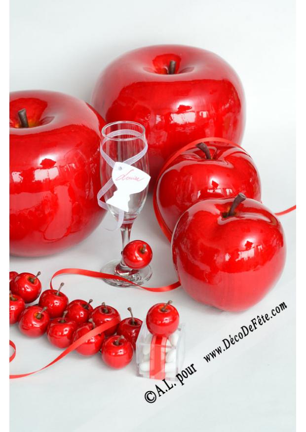 1 pomme rouge deco fausse pomme. Black Bedroom Furniture Sets. Home Design Ideas