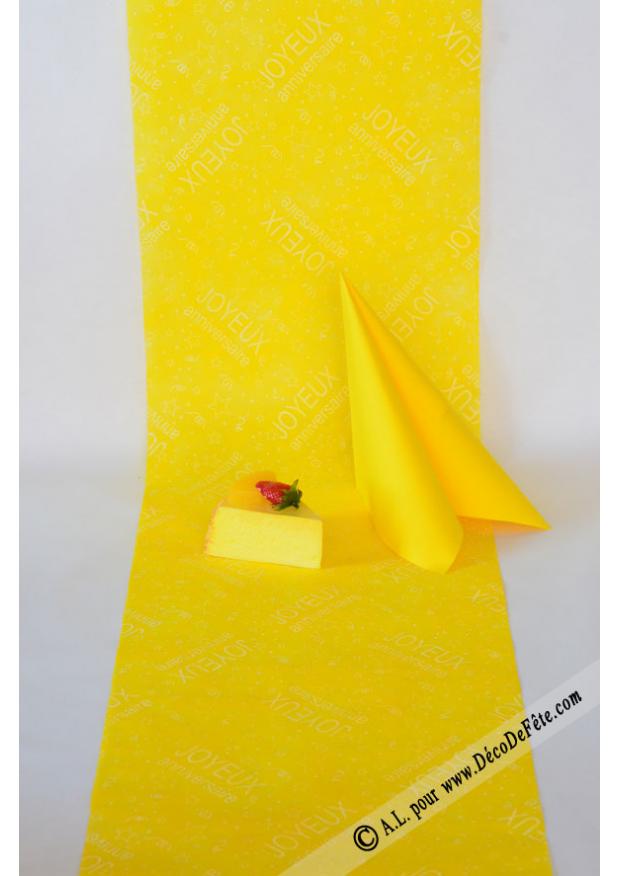 10m chemin de table joyeux anniversaire jaune. Black Bedroom Furniture Sets. Home Design Ideas
