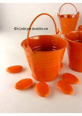 1 petit seau orange