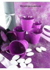 1 petit seau violet