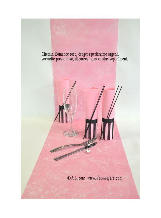 10m chemin de table romance rose. Black Bedroom Furniture Sets. Home Design Ideas