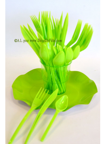 30 Couverts plastic vert anis