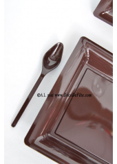 12 Assiettes à dessert plastique carré chocolat