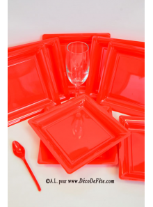 12 Assiettes à dessert plastique carré rouge