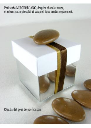 10 petits cubes miroir et blanc for Petit miroir blanc