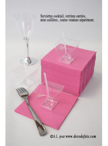 50 Serviettes cocktail fushia