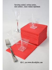 100 Serviettes cocktail rouge