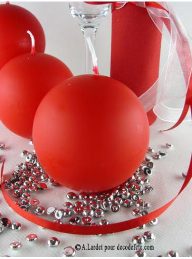 1 Bougie boule 8 cm rouge