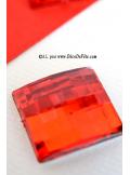 6 diamants carrés rouges