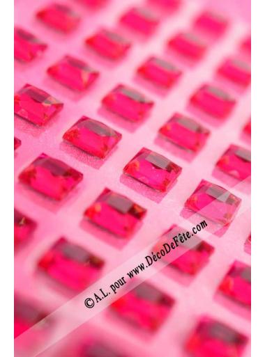 48 stickers strass carré fushia