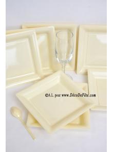 12 Assiettes à dessert plastique carré ivoire