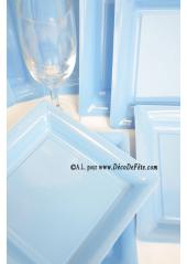 12 Assiettes à dessert plastique carré bleu ciel