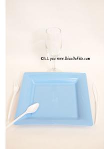 12 Assiettes bleu ciel carré 23.5 cm