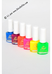 1 Vernis à ongle FLUO pourpre