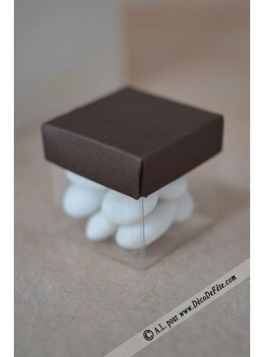 10 petits cubes chocolat et transparents - Plastique transparent pour table ...