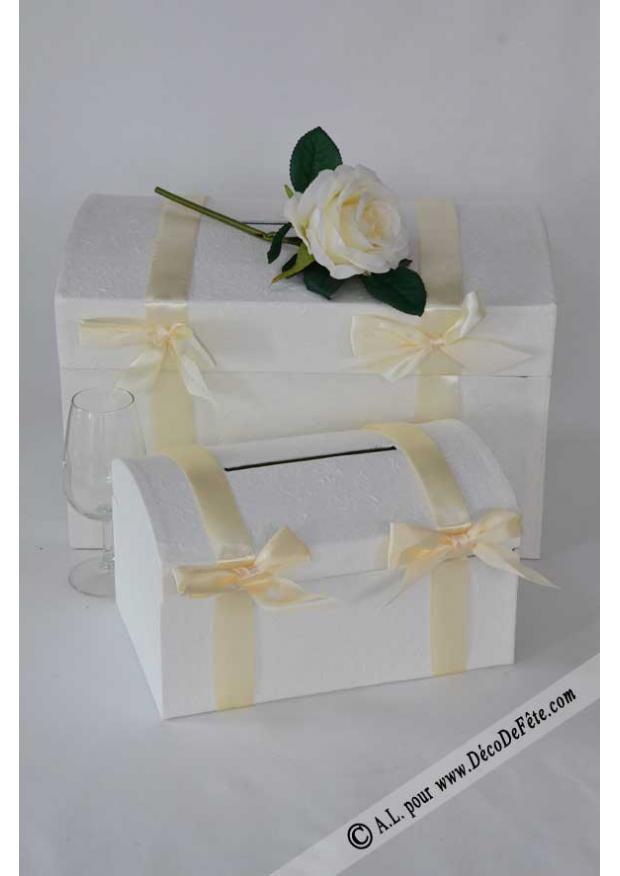 1 tr s grande urne malle ivoire. Black Bedroom Furniture Sets. Home Design Ideas