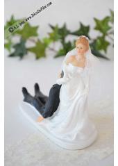 1 couple de mariés OMBRELLE