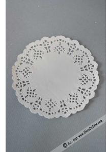 10 napperons papier dentelle 16.5cm