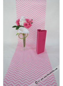 5M Chemin de table CHEVRON rose