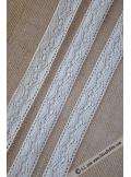 5M dentelle FINE ivoire 28mm