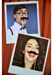 1 kit 6 MOUSTACHES pour photobooth