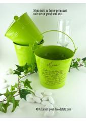 1 grand seau vert anis