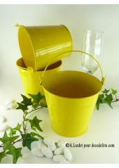 1 grand seau jaune