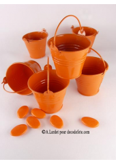 1 petit seau orange
