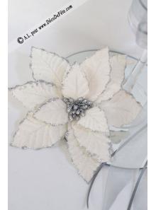 1 Poinsettia lin argent