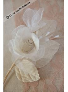 1 rose bouton coton lin et perle AGATHE