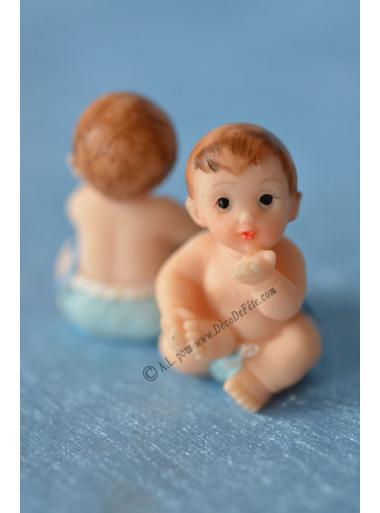 1 bébé GARCON bleu