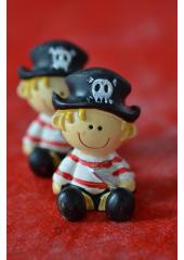 1 bébé pirate
