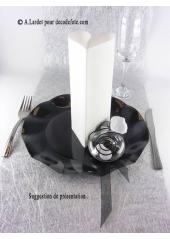 10 Assiettes fleur noir