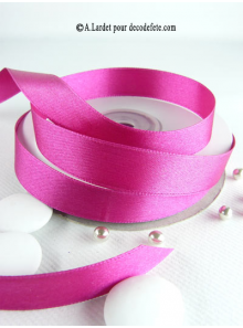 25m Ruban 15mm satin fushia