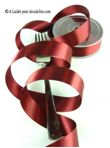25m Ruban 25mm satin bordeaux