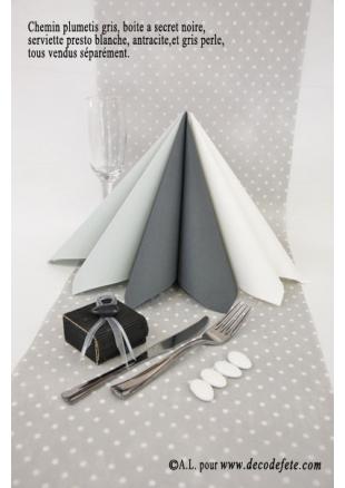 5m chemin de table plumetis gris chemins de table pois. Black Bedroom Furniture Sets. Home Design Ideas