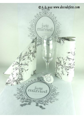 5M Chemin de table Just Married blanc