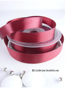 25m Ruban 15mm satin bordeaux
