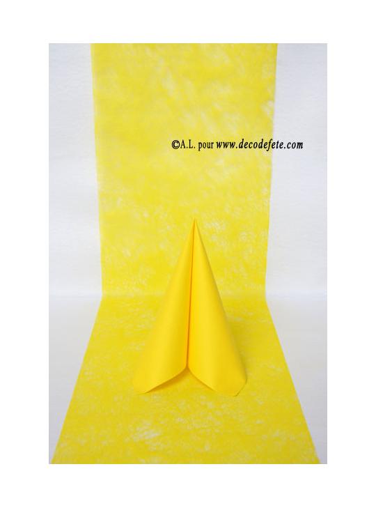 10m chemin de table romance jaune. Black Bedroom Furniture Sets. Home Design Ideas